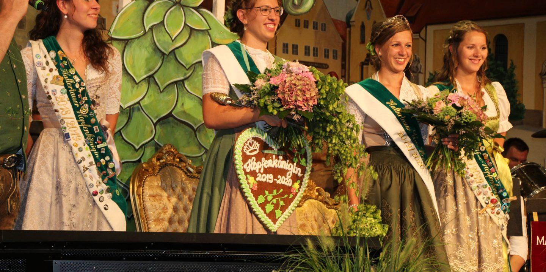 Hopfenkönigin Theresa Hagl und Vize-Königin Lisa Widmann 2019/20